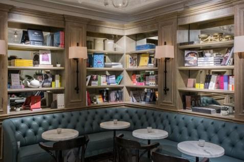 café_myriad_bookshelve