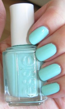 mint_candy_apple_essie